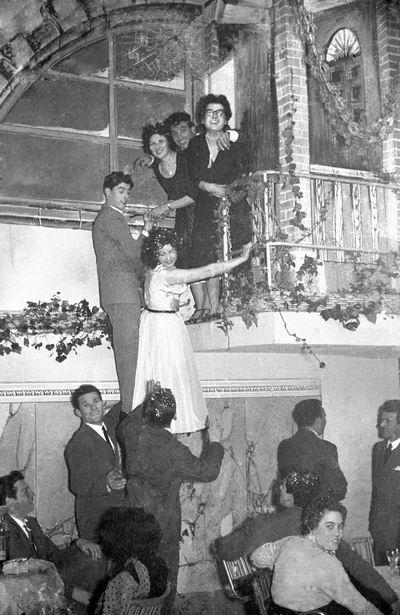 """Un'immagine del """"Veglionissimo""""(1955) - Un'immagine del """"Veglionissimo""""(1955)"""